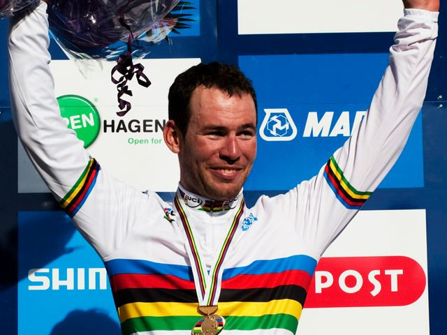 img.skysports.com/11/10/640/mark-cavendish-world-champion-pic-2011_2663359.jpg