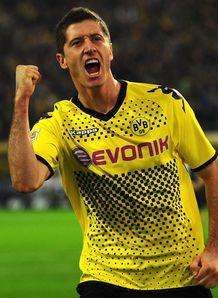 pes editions habilidades r lewandowski b dortmund. Black Bedroom Furniture Sets. Home Design Ideas