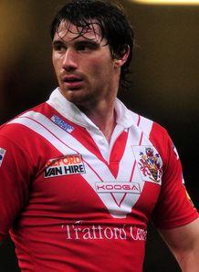 Smith inspires Reds romp