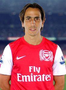 Yossi-Benayoun-Arsenal-Player-Profile_2684501.jpg