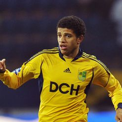 Taison: Eager for Chelsea move