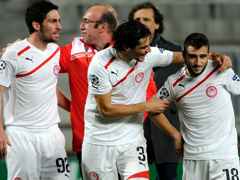 http://img.skysports.com/11/11/800x600/Olympiacos-celeb-v-Marseille_2682239.jpg