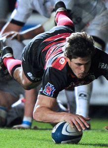 Toulouse s Luke Burgess scores v Montpol