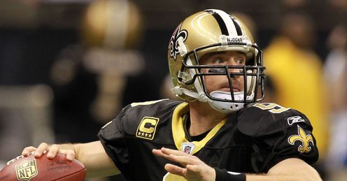 Brees: breaks Dan Marinos passing record in a season