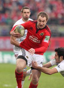 Munster s Johne Murphy C escapes the Castres