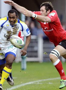 Sitiveni Sivivatu down the line for Clermont
