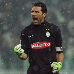 Buffon: Fear us
