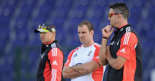 Three's company: Bumble says it's time for Pietersen, Flower and Strauss to sit down in a room together