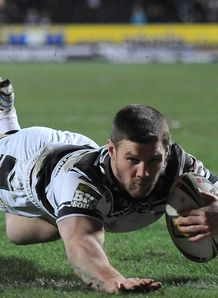 Hull hold off Broncos