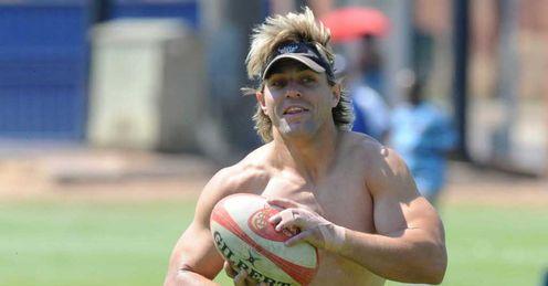 Wynand Olivier in Bulls training shirt off
