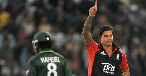Jade Dernbach England celebrating wicket of Mohammad Hafeez third T20 International Abu Dhabi
