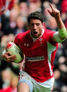 Alex Cuthbert Wales celebrating scoring a try against France 2012 Six Nations
