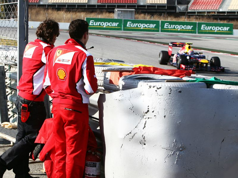 Fernando-Alonso-Ferrari-and-Andrea-Stella-Fer_2726727.jpg
