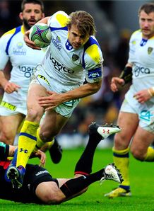 Clermont captain Aurelien Rougerie breaks away to set up the first try v Saracens