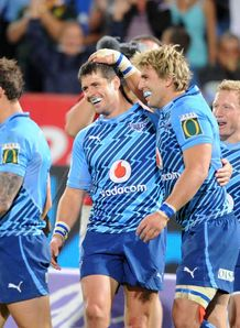 Wynand Olivier celebrates with Morne Steyn BULLS 2012