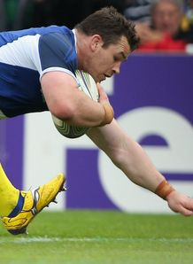 Cian Healy Leinster scoring a try against Clermont Heineken Cup