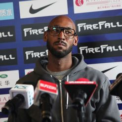 Anelka: 10-club man
