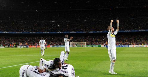 Chelsea celeb Torres goal v Barcelona