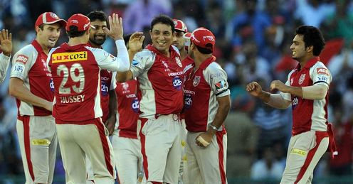  Kings XI Punjab celebrate Azhar Mahmood wicket