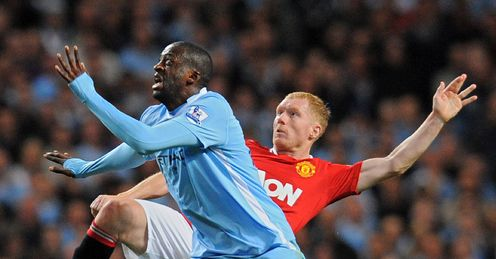 Yaya Toure Paul Scholes Manchester City United Premier League