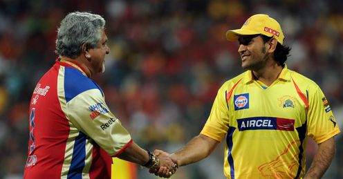 Vijay Mallya and Mahendra Singh Dhoni Bangalore Royal Challengers v Chennai Super Kings M.Chinnaswamy Stadium Bangalore IPL Apr 2012