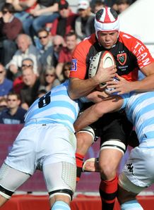 Toulon s Joe van Niekerk tackled by racing metro