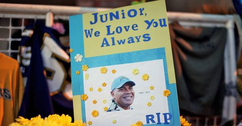 One of the tributes left at a makeshift memorial outside Junior Seau's beach home