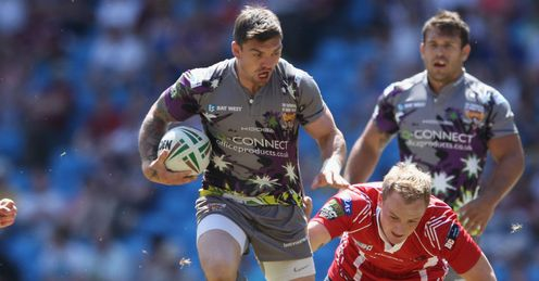 Danny Brough Huddersfield Giants on the run against Salford City Reds Magic Weekend 2012