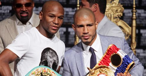 Time to shine: Cotto (right) can take advantage of Mayweather's decline, says Glenn