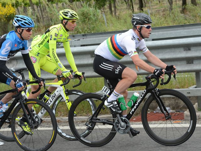 Cavendish: Derailed by crash just in front of him