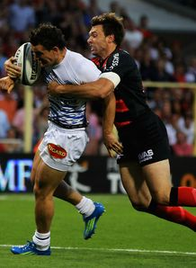 Vincent Clerc denies Max Evans with a try-scoring tackle