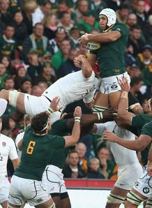 Juandre Kruger of South Africa line out v England