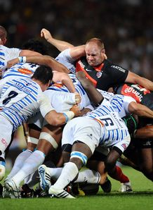 Toulouse s prop William Servat scrum v castres