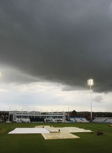 Weather wins at County Ground
