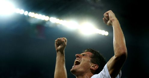 Mario-Gomez-Celebrates-Germany-vs-Portugal_2778542.jpg