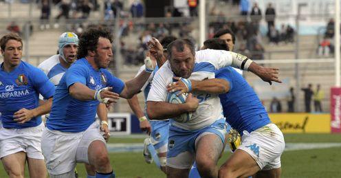 Rodrigo Roncero C scores a try v Italy 2012