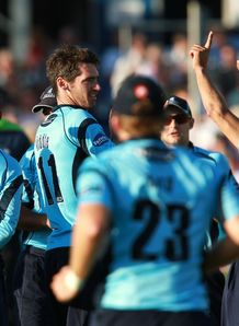 Sussex top despite abandonment