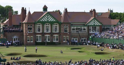 Royal Lytham and St Annes - the final green and storied clubhouse