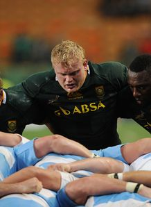 Adriaan Strauss packing down for Springboks