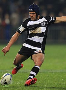 Daniel Waenga kicking for Hawke s Bay