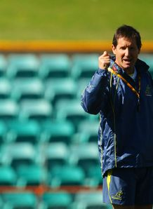 Robbie Deans taking training
