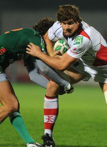 Robbie Diack brushing off a tackler