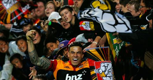 Sonny Bill Williams Waikato Chiefs celebrating Super Rugby title