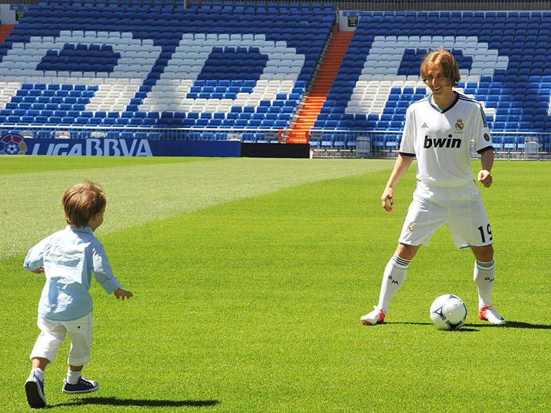 Luka-Modric-Real-Madrid-Signing-Unveiled_2818464.jpg