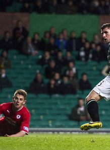 Hooper stars as Celtic KO Raith