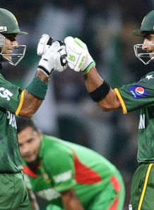 Pakistan reach Super Eights