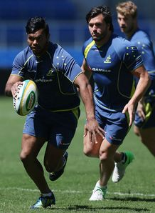 Kurtley Beale grubbering in training