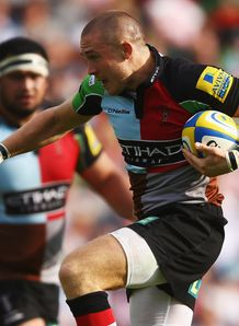 Mike Brown galloping for Harlequins