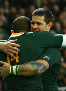 Morne Steyn hugging Bryan Habana for Springboks