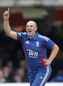 England held their nerve to win first ODI against India, said Nick Knight